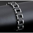 Браслет их стальных скоб и квадратных клетчатых сегментов из каучука