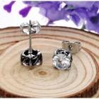 Серьги гвоздики из стали и белого кристалла