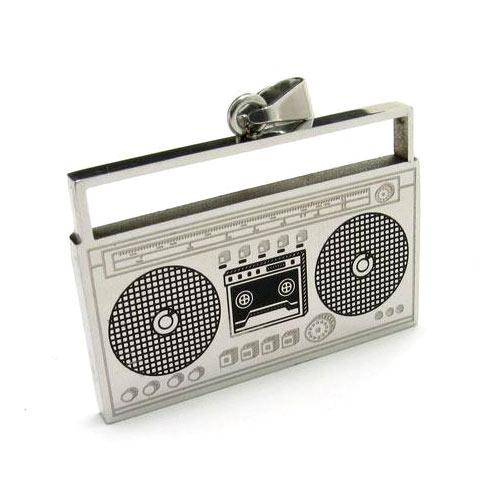 Кулон с цепочкой в виде магнитофона
