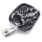 Медальон в виде скорпиона на плашке из стали