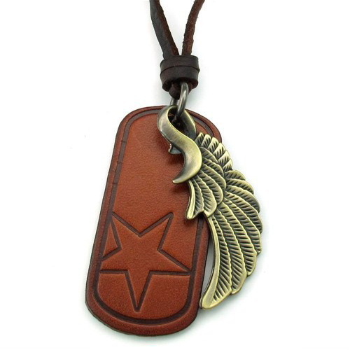 Медальон из кожи и стального крыла