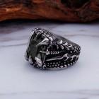 Стальное кольцо с черным камнем мужское в когтях