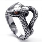 Кольцо из стали, имитирующее змею, схватившую себя за хвост