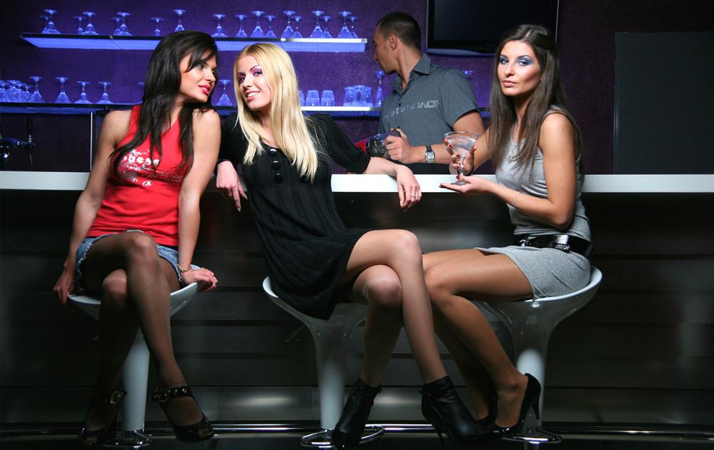 Девушки для ночных клубов какаду ночной клуб томск