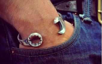5 причин для мужчин носить браслет