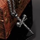 Силуэт кулона образуют будто три старинных кованых гвоздя