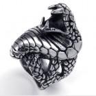Стальное массивное кольцо в виде кобры