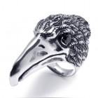 Стальное крупное кольцо в виде головы ястреба